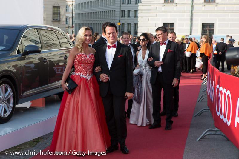 VIENNA, AUSTRIA - JUNE 26: Gregor Glanz and Daniela Hentze attend the gala event 450 years Spanische Hofreitschule on June 26, 2015 in Vienna, Austria.  (Photo by Chris Hofer/Getty Images)