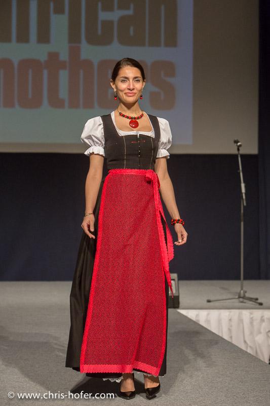 AMREF Black & White Charity-Gala im Gwandhaus Salzburg, 2014-05-16; Foto: Chris Hofer; Bild zeigt: Bond-Girl Caterina Murino