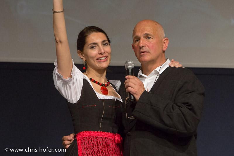 AMREF Black & White Charity-Gala im Gwandhaus Salzburg, 2014-05-16; Foto: Chris Hofer; Bild zeigt: Bond-Girl Caterina Murino, Fritz Egger