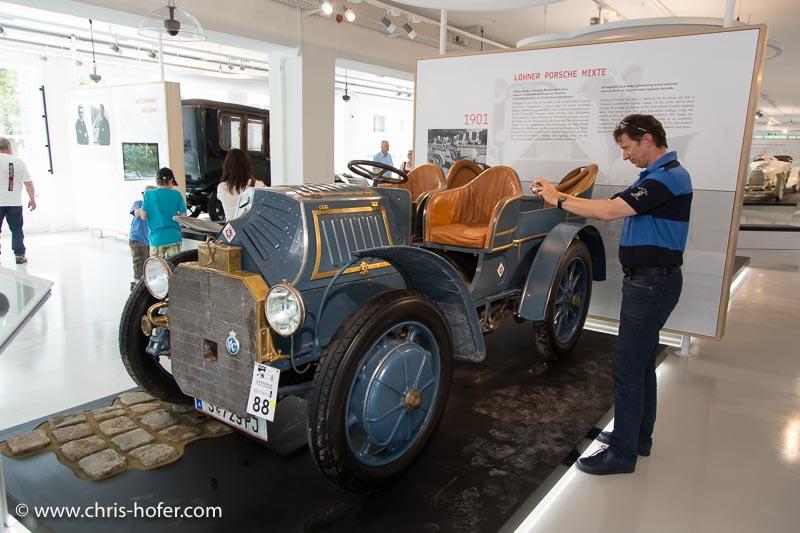 Eröffnung Fahrtraum Mattsee, 2013-06-15; Foto: Chris Hofer; Bild zeigt: Lohner Porsche Mixte, Bj. 1901