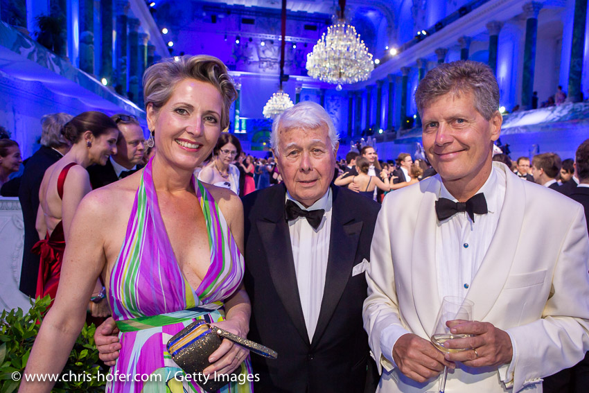 VIENNA, AUSTRIA - JUNE 29: Martina Hohenlohe, Peter Weck, Karl Hohenlohe during the Fete Imperiale 2018 on June 29, 2018 in Vienna, Austria. (Photo by Chris Hofer/Getty Images) *** Local Caption *** Martina Hohenlohe; Peter Weck; Karl Hohenlohe