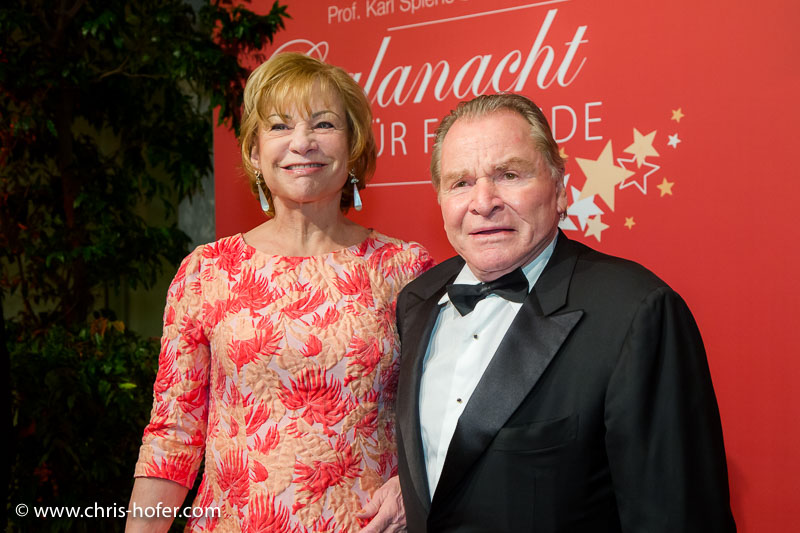 VIENNA, AUSTRIA - MARCH 19: Fritz Wepper with his wife Angela attend Karl Spiehs 85th birthday celebration on March 19, 2016 in Vienna, Austria. (Photo by Chris Hofer/Getty Images)