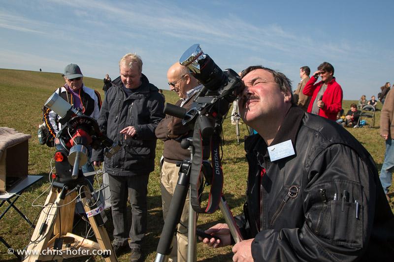Partielle Sonnenfinsternis, beobachtet bei der Volkssternwarte am Voggenberg bei Bergheim, 2015-03-20, Foto: Chris Hofer