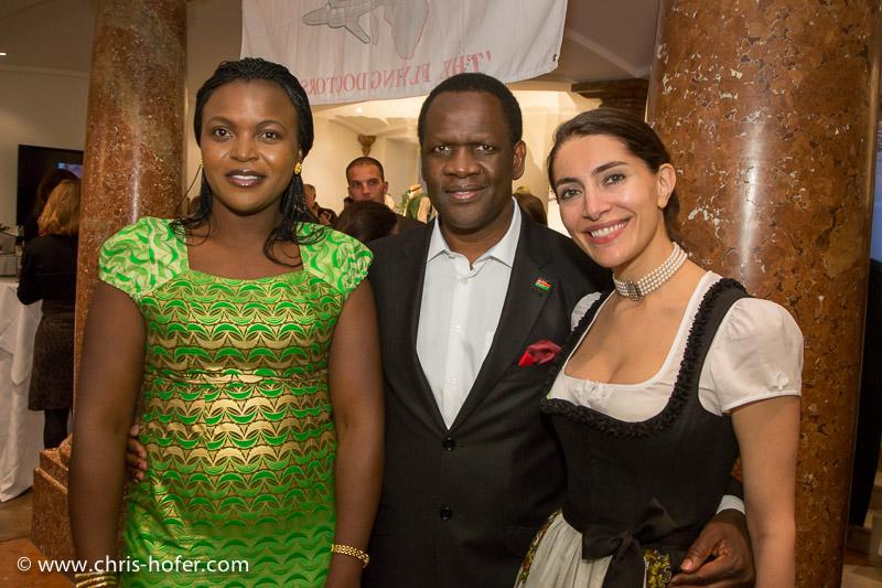Bilder :: AMREF Black & White Charity 2014